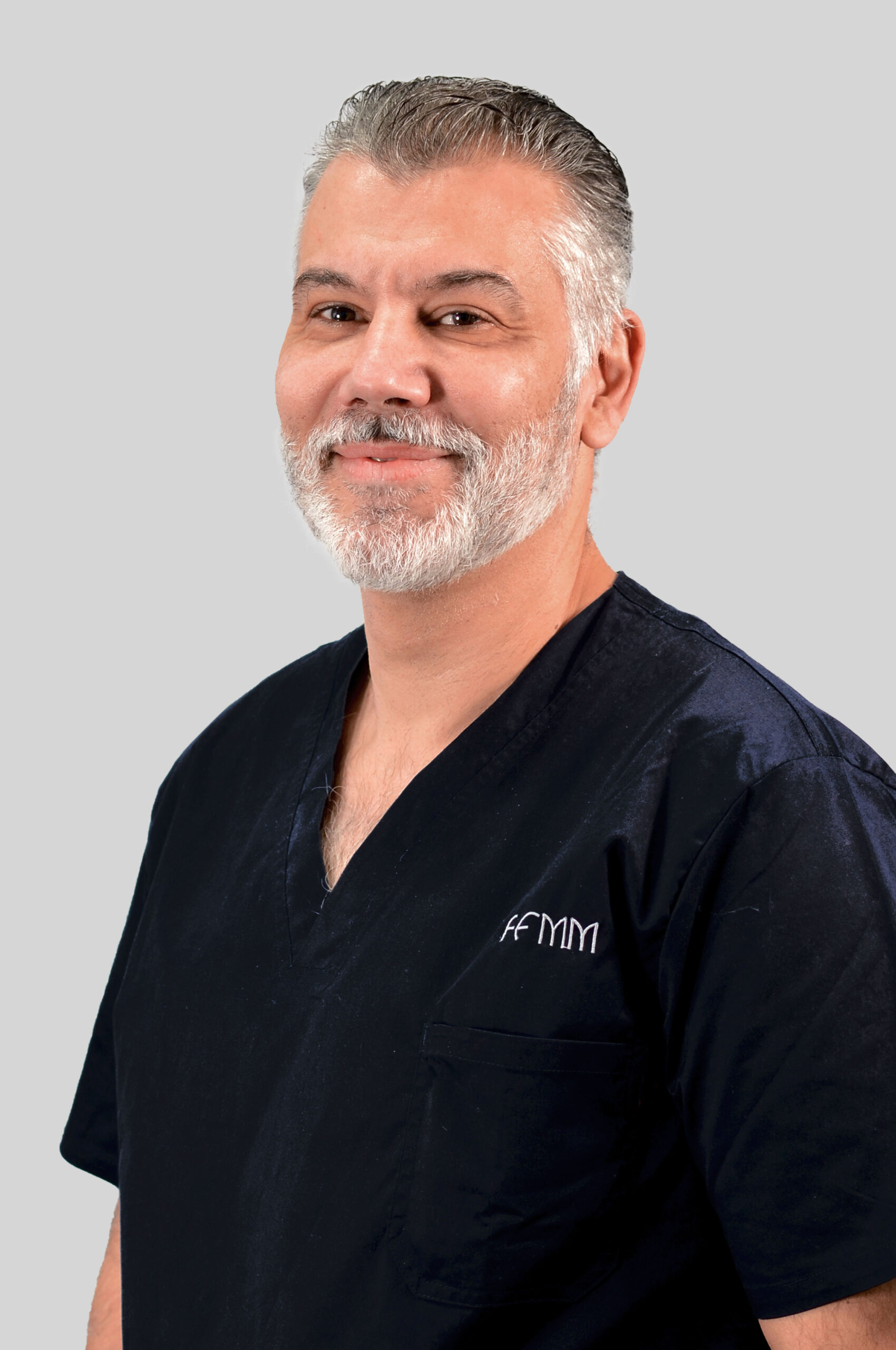 Dr. Ernesto Pérez Hernández