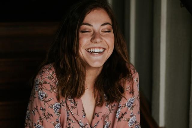 Tratamientos estéticos en la zona de la boca y blanqueamiento dental, la suma que logra una sonrisa deslumbrante