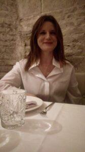 La dra. Elena Moreno es experta en nutrición y dietética.