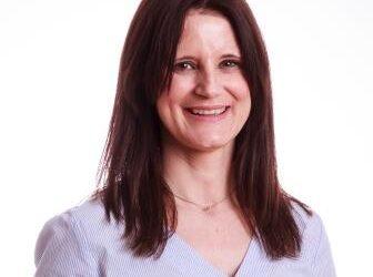 Hoy entrevistamos a ELENA MORENO LUNA: La médico estético de FEMM lleva ejerciendo 22 años como especialista en medicina estética y nutrición