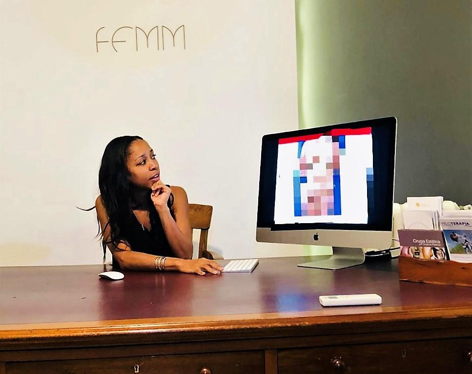 La doctora Gabrielle Davis en la consulta de FEMM