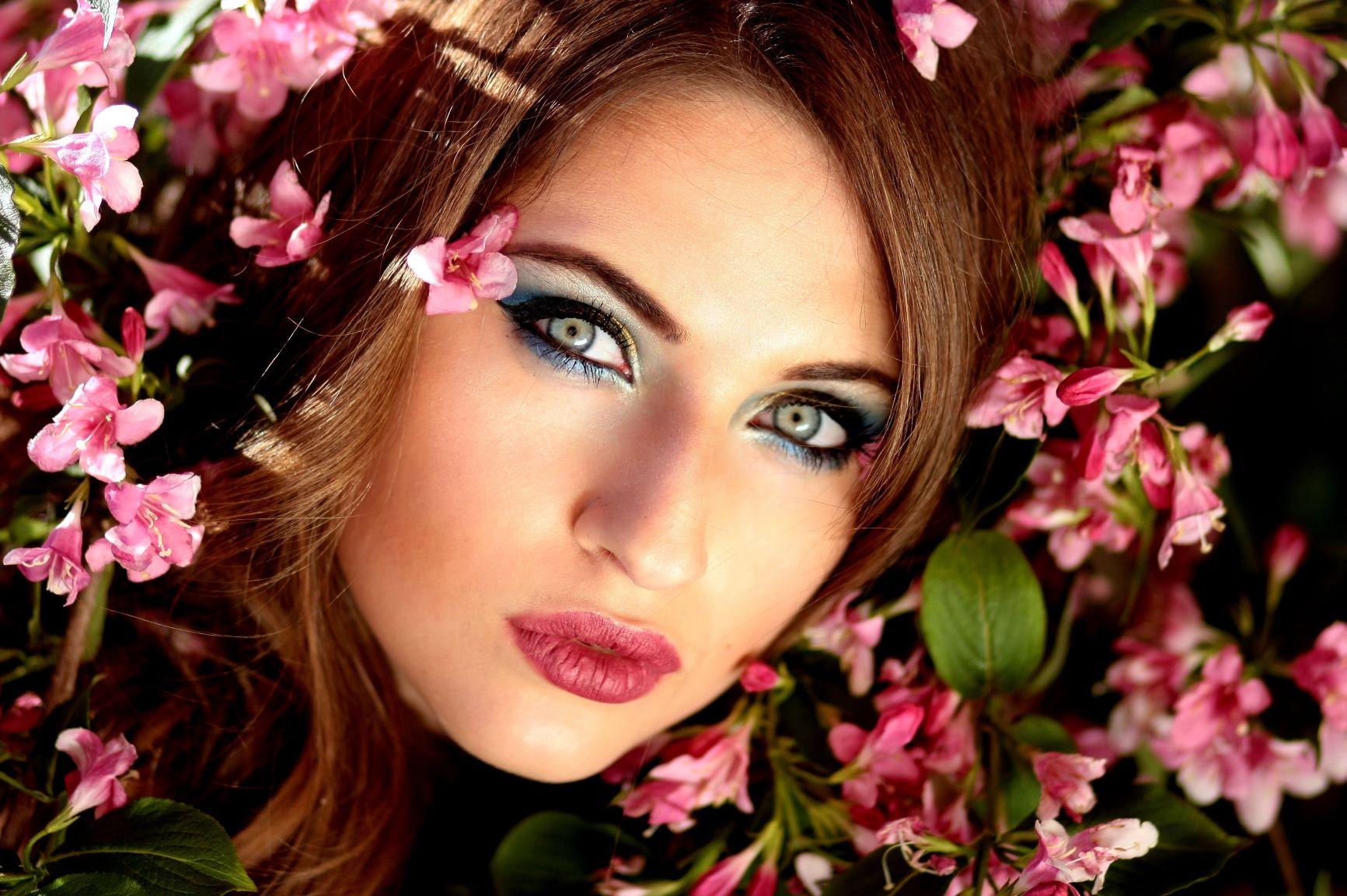 mujer-biorremodelación-facial-femm