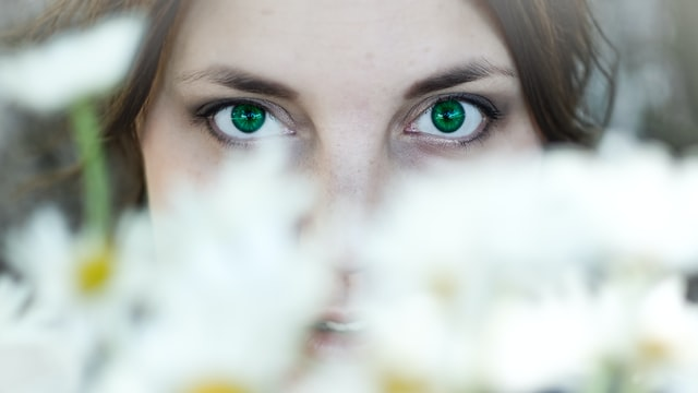 """Una cirugía sencilla para conseguir los """"foxy eyes"""" de manera permanente"""